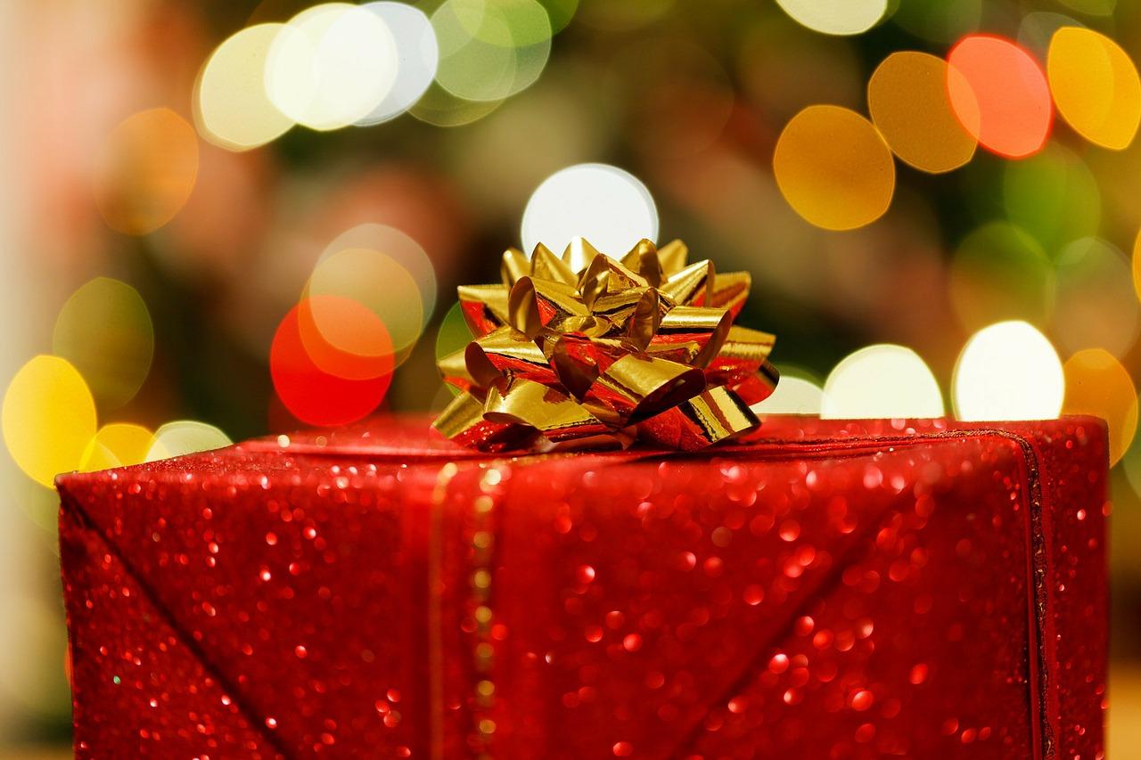 Prezenty świąteczne – prezent dla dziewczyny, prezent dla chłopaka